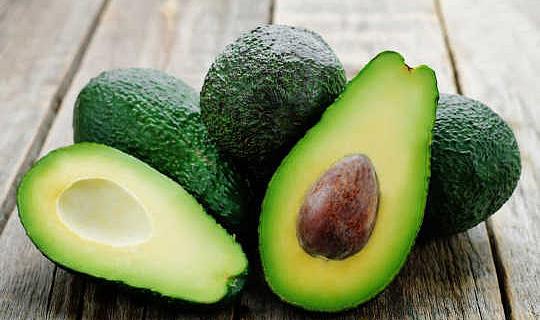 Sollten Veganer Avocados und Mandeln meiden?