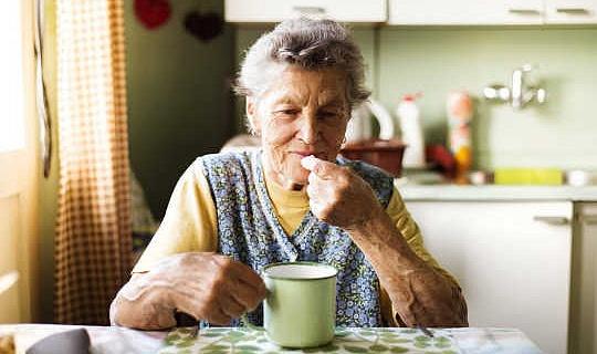 Heeft A Daily een lage dosis aspirine vermindering van het risico op hartaanvallen bij gezonde mensen?