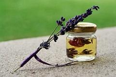 Verwenden von ätherischen Ölen zum Öffnen von Kommunikationslinien