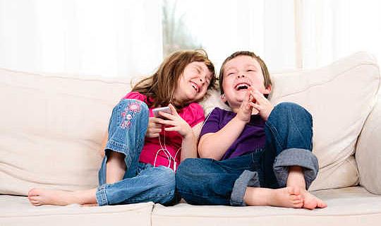 I divani e i pavimenti in vinile possono davvero rendere i bambini davvero malati?