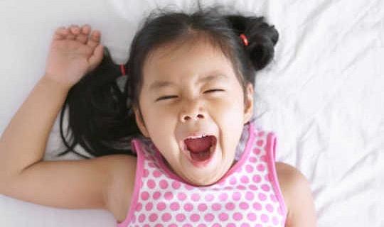 11 Wat u kunt doen om aan te passen aan het verlies van dat uurtje slaap van 1