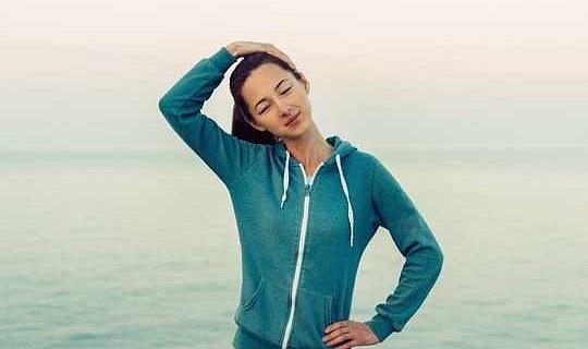 يمكن أن تفرقع رقبتك تسبب السكتة الدماغية؟