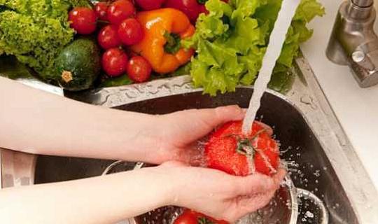 6 نصائح للمحافظة على سلامة الغذاء والحد من النفايات