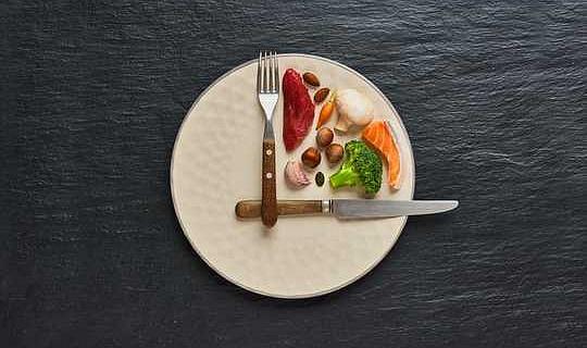 إذا كنت تكافح من أجل إنقاص الوزن ، في حين أن الصيام المتقطع قد يكون هذا هو السبب