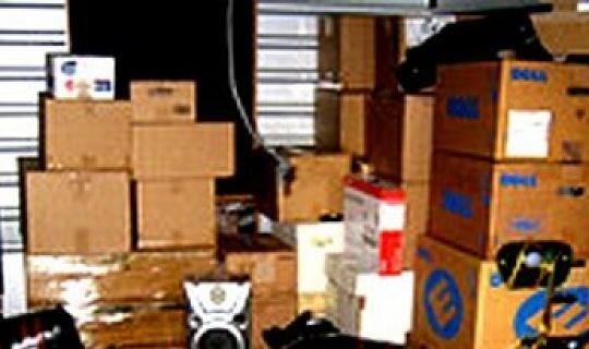 """Clutter in Storage: Apakah """"Stuff"""" Anda Mendukung Ekspresi Jiwa Anda?"""