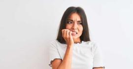 Varför ångestade tonårsflickor med högre risk för symtom på ätstörningar