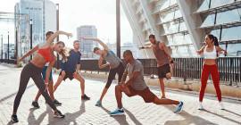 Att sträcka eller inte sträcka ut innan du tränar: Vad du behöver veta om uppvärmningar
