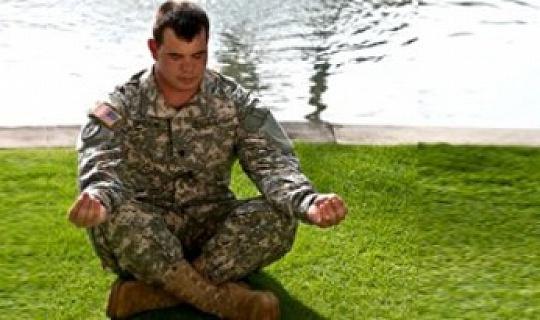 اليوغا تساعد المحاربين القدامى الذين يعانون من اضطراب ما بعد الصدمة