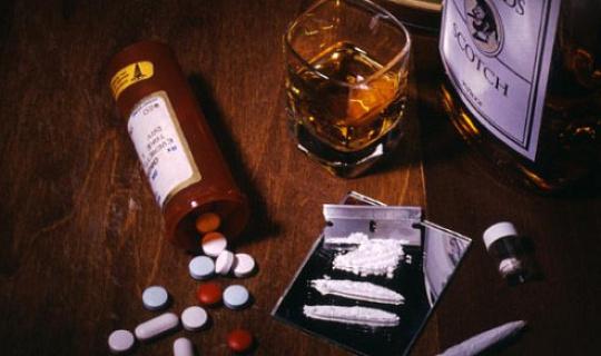 बहुत से लोग ड्रग्स का इस्तेमाल करते हैं - लेकिन यही वजह है कि ज्यादातर नशेड़ी न बनें