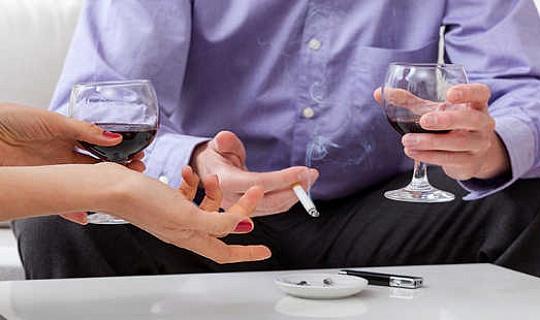क्यों एक नशे की लत व्यक्तित्व के रूप में ऐसा कोई चीज नहीं है
