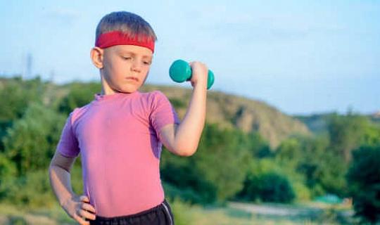 如果兒童和青少年舉重?