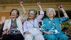 La gente en sus años noventa revelan los secretos para Envejecer bien