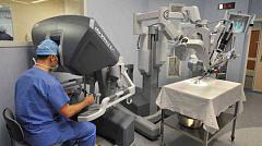 Les robots dans les soins de santé pourraient-ils mener à un hôpital sans médecin?