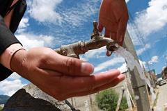 Hierdie katalis maak 99 persentasie van BPA uit water skoon