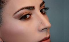 ¿Tenemos que limpiar realmente nuestros poros?