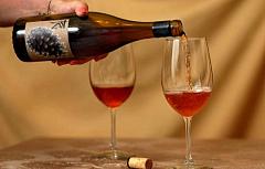 ¿Beber vino es realmente bueno para tu corazón?