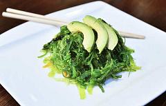 Poner algas y algas marinas en el menú podría ayudar a salvar a nuestros mariscos