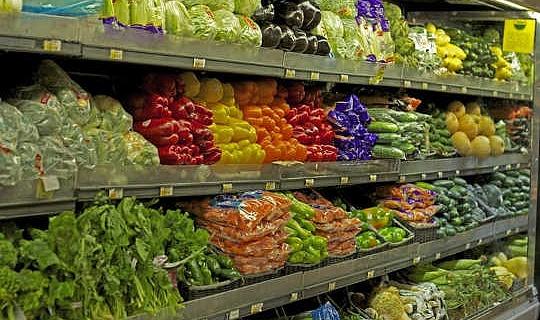 裕福なアメリカ人は、彼らが食べ物や栄養について考えるよりも少ないと知っています