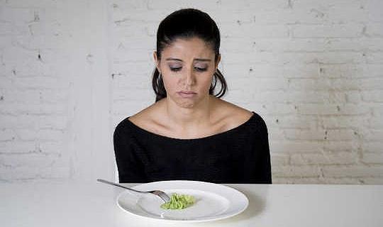 यह सोचकर कि आप एक आहार पर हैं समस्या आधा है - यहाँ एक दिमागी भोजन करने वाला कैसे है