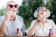 人生の期待が高まるにつれて、健康的な老化への期待も高まっている