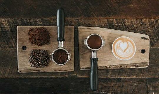 Perché ricevi mal di testa quando non hai il caffè?
