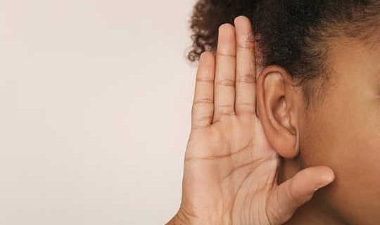 Est-ce que les personnes aveugles ont vraiment une meilleure audition?