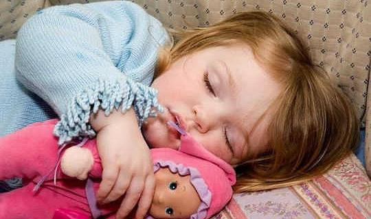 7 teken jou kind se snurningsbewyse aan. Die dokter sien