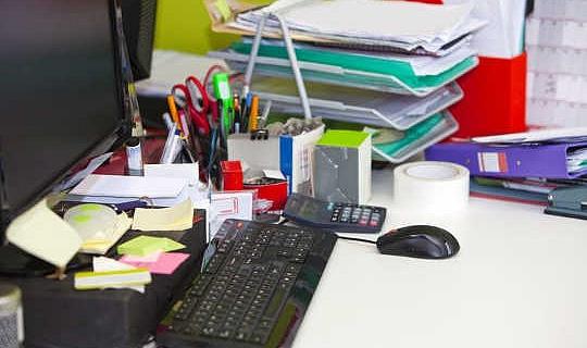 كيف النظيفة هو مكتبك؟ الواقع غير المرحب به من مكتب النظافة