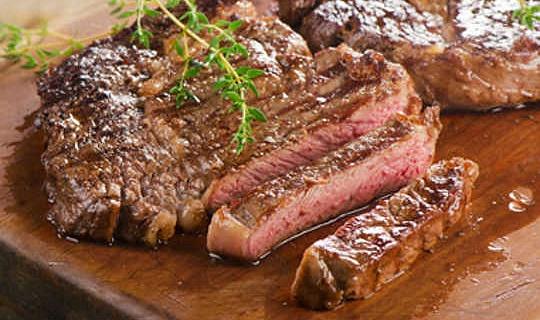 لماذا يتناول الأمريكيون كمية أقل من اللحم