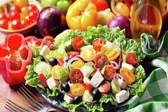 Cómo la dieta mediterránea puede ayudar a que sus neuronas vivan más tiempo