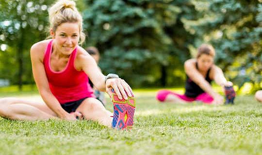 वजन घटाने और व्यायाम के लिए क्यों खींचना महत्वपूर्ण है