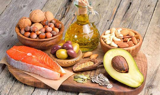 क्या हमें वास्तव में अधिक वसा खाने चाहिए?