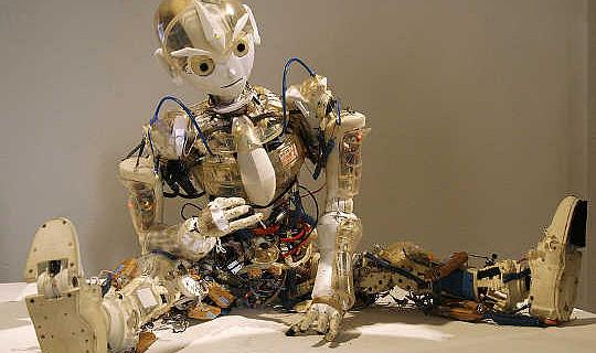Sicher, es kann Backflip sein, aber kann ein Roboter einen Schreibtischjob halten?