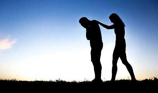 Mensen hebben het Compassionate Ear Of A Caring Listener nodig die Suicidal Thoughts ervaart