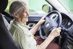 ¿Cuántos años es demasiado viejo para conducir?