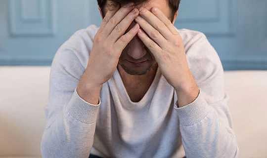 Beyin sarsıntısı olan kişilerin şanssız 10% 'sinin belirtileri uzun sürebilir