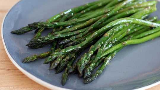 اس امینو ایسڈ کو مسدود کرنا جس سے Asparagus میں چھاتی کے کینسر میں اضافہ ہوتا ہے