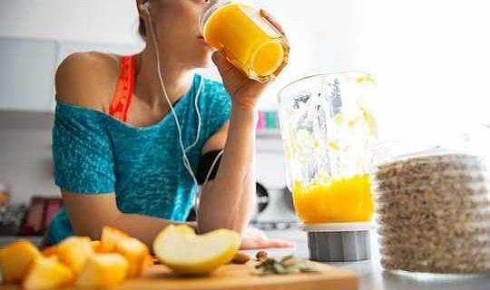Vetenskapen bakom diettrender som Mono, Charcoal Detox, Noom And Fast800