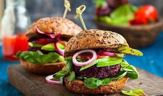 Veganerna kommer! Vad är tanken på intresset för växtbaserad kost?
