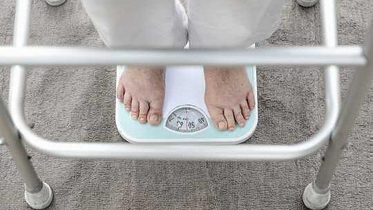 Cómo detectar los signos de desnutrición en adultos mayores