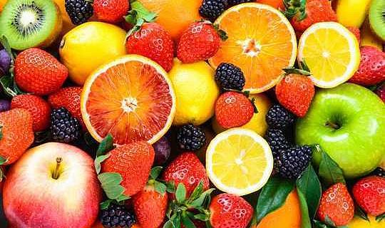Alzheimer ve Demans Düşük Riskine Bağlı Bol Elma, Çilek ve Çay Yemek