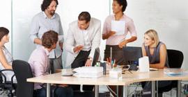Los trabajadores de oficina deben levantarse de su escritorio durante dos horas al día