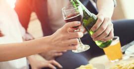 क्या हमें अपनी बीयर और वाइन में ग्लाइफोसेट के बारे में चिंता करने की ज़रूरत है?