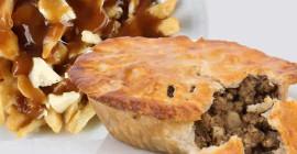 Poutine In A Pie: Adakah Anda Makan Tourtine Musim Percutian Ini?